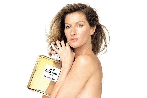 79bb1e063a917 Relembre as famosas que estrelaram as campanhas do perfume Chanel Nº 5