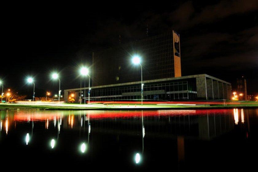 Palácio do Buriti apaga as luzes em apoio ao combate do aquecimento global