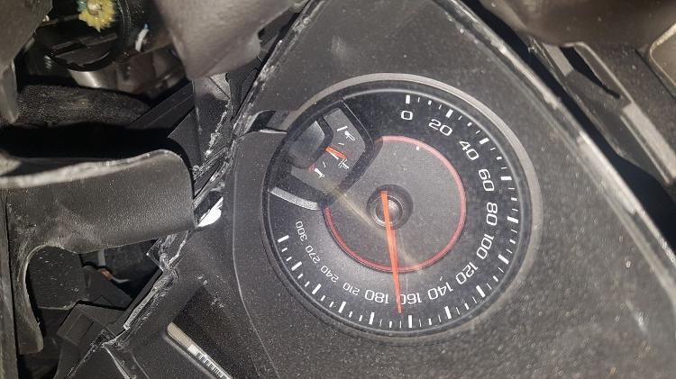 velocimetro-do-camaro-de-mc-brisola-ficou-travado-em-165-kmh-1522072445709_v2_750x421