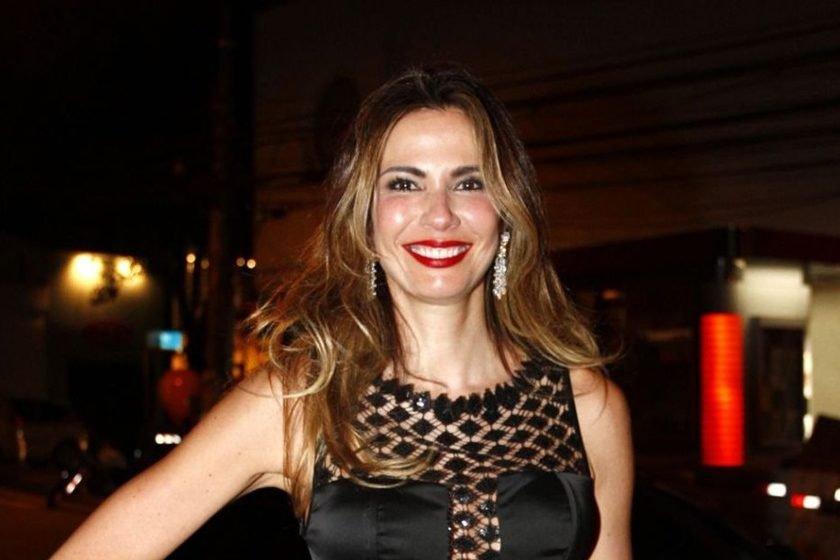 Luciana Gimenez confirma separação e avisa que está solteira e 'na pista'