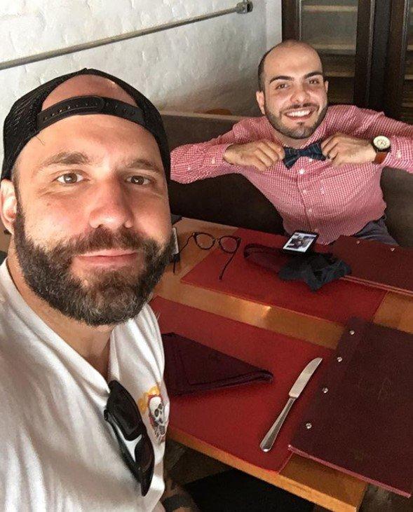 Mahmoud almoça com Caruso e Lucas