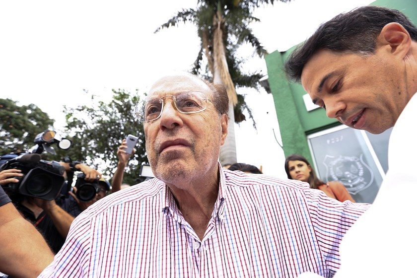 Maluf entrega chaves de apartamento funcional em Brasília