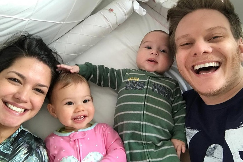 Thais Fersoza e família