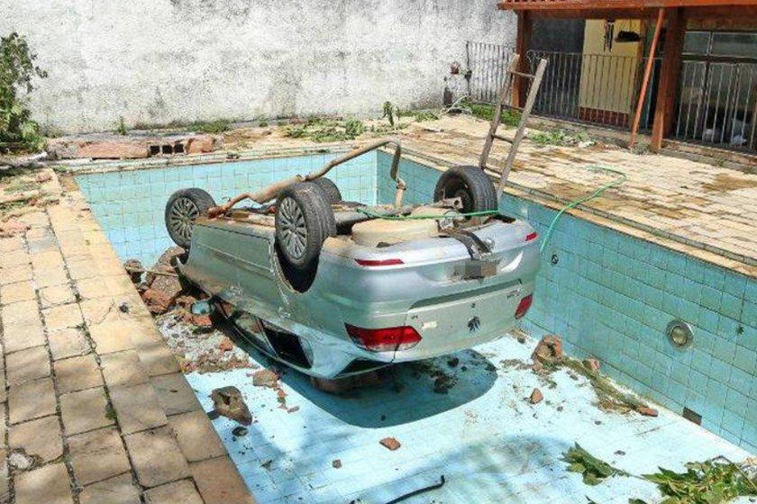 Idoso morre em acidente de carro