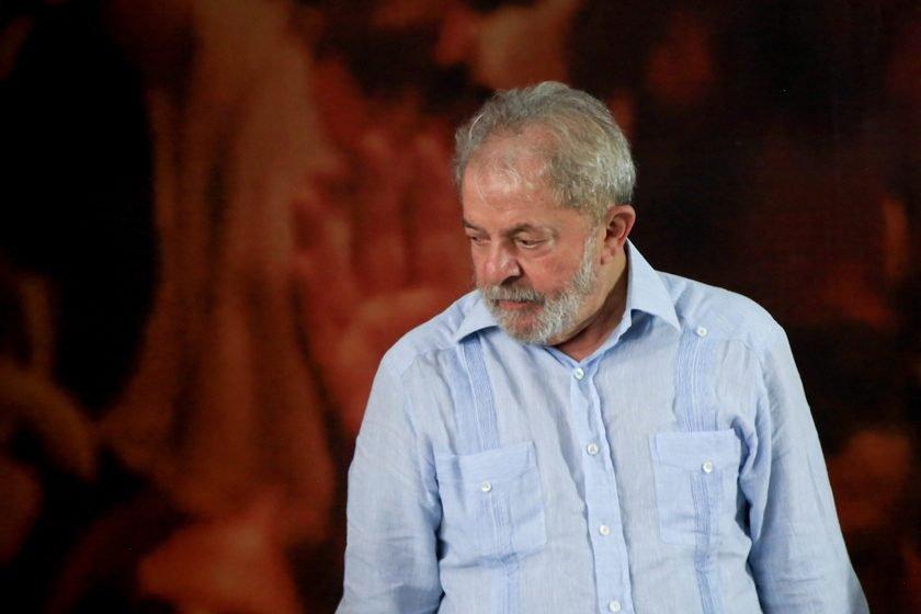 Justiça multa manifestantes pró e contra Lula em Curitiba