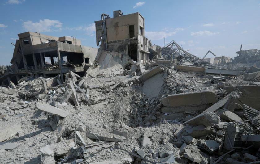 May e Macron respondem a seus parlamentos por ataque na Síria