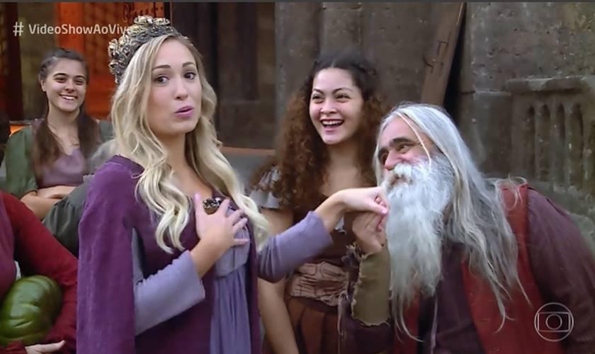 Ex Bbb Jéssica Visita Bastidores De Deus Salve O Rei E Vira Meme