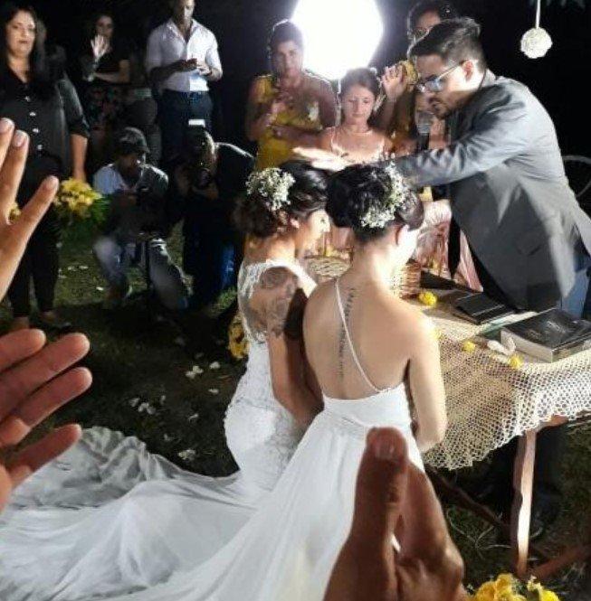 Screenshot 2322 - Bailarina do Faustão se casa com namorada sob bênção de pastor gay