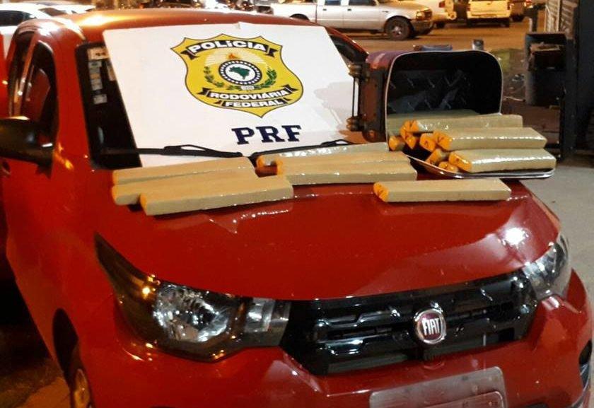 Em duas operações, policiais apreendem quase 700 quilos de maconha em rodovias