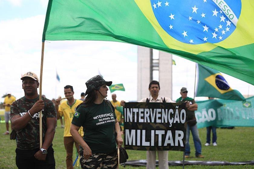 Bolsonaro diz que Barbosa o 'desidratava'