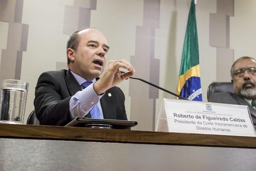 Após denúncia, brasileiro renuncia ao cargo em corte de direitos humanos