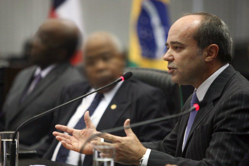 Juiz Roberto Caldas agressão