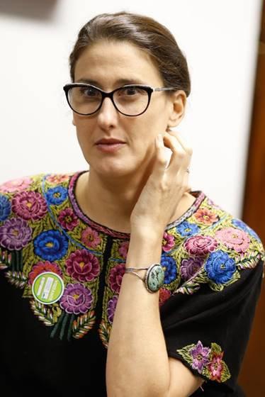 Paola Carosella visita o gabinete do senador Cássio Cunha Lima para discutir o PL 34/2015