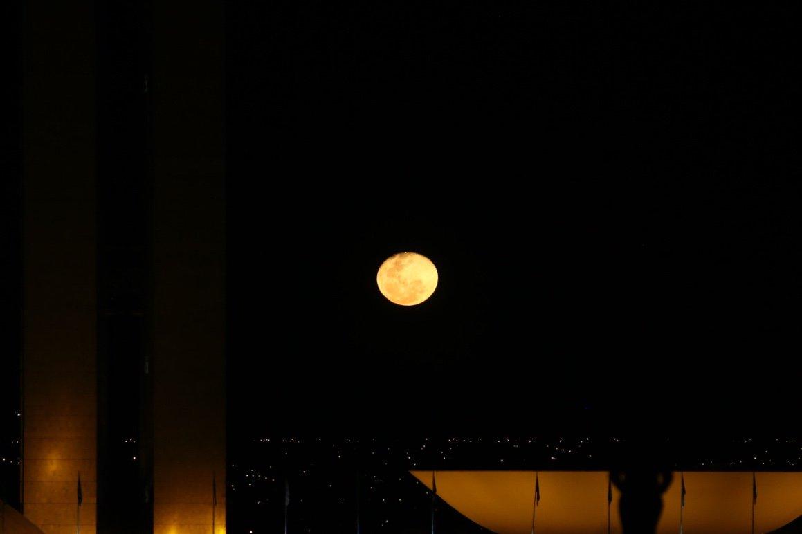 Lua Brasilia Corpus Christi