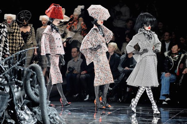 Alexander McQueen: Paris Fashion Week Ready-to-Wear A/W 09