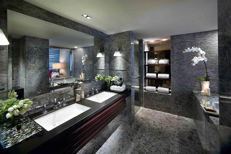 jakarta-room-deluxe-room-bathroom