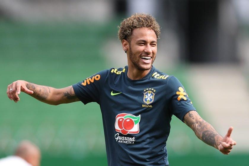 67ecb911a8 Neymar volta aos titulares