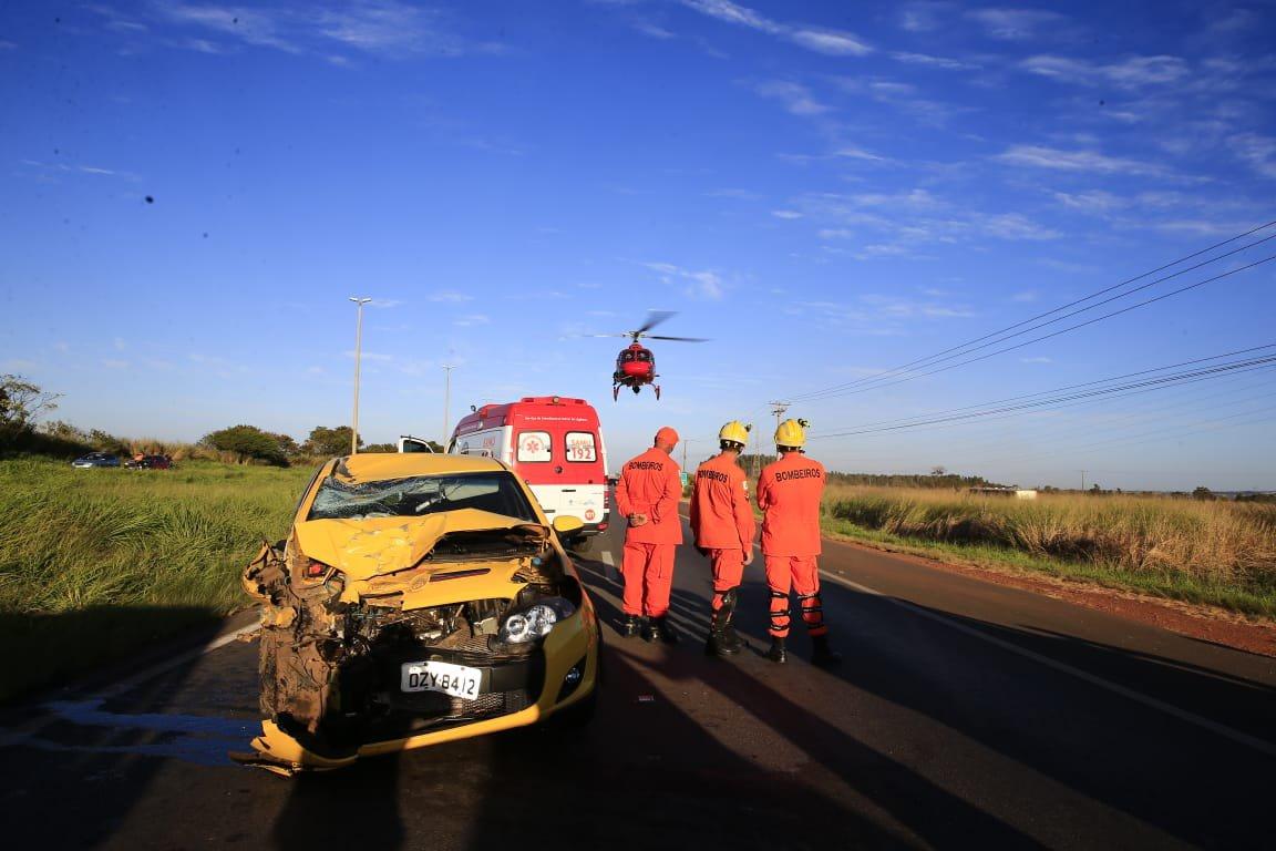 homem ferido carroça acidente carro ceilândia br-070
