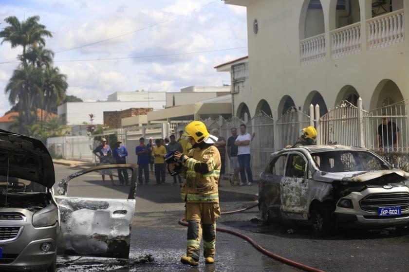 incêndio, embaixada do Guiné, lago sul, veículos