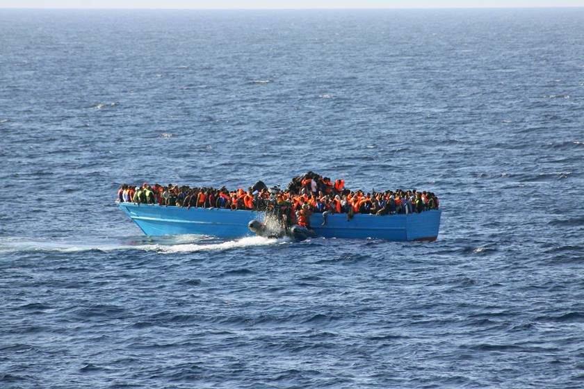 ITÁLIA: CONTRABANDISTAS DE PESSOAS FORJAM AFOGAMENTOS EM MASSA PARA ANGARIAR SIMPATIA OCIDENTAL