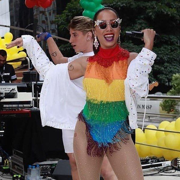 C&A LGBT coleção Anitta