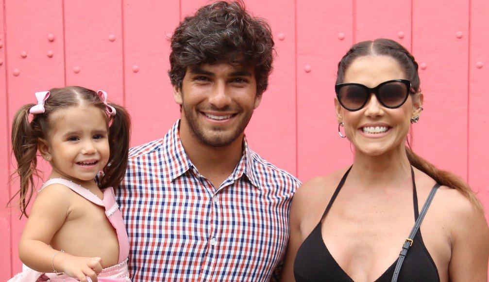 Deborah Secco e Hugo Moura