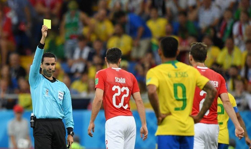 CBF envia reclamação à Fifa sobre árbitro da estreia do Brasil na Copa da690c17095