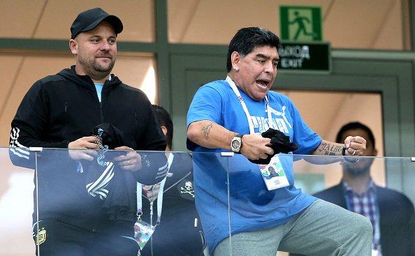 Resultado de imagem para Fifa manda recado para Maradona: 'Espero que se comporte de forma respeitosa'