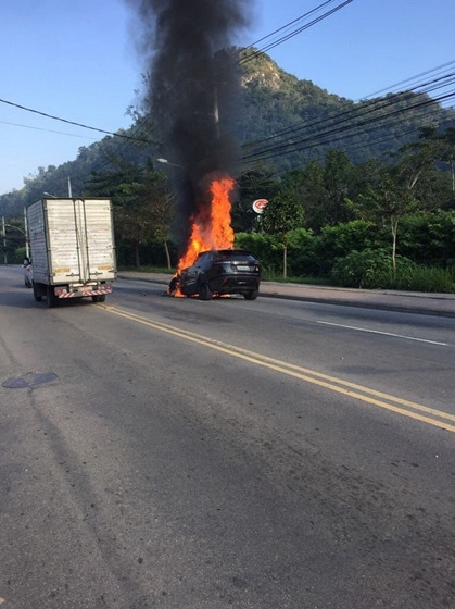 lucas paquetá carro fogo