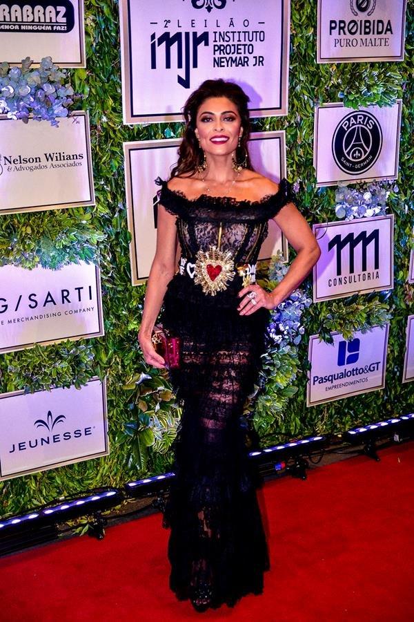 Juliana Paes (Dolce & Gabbana)