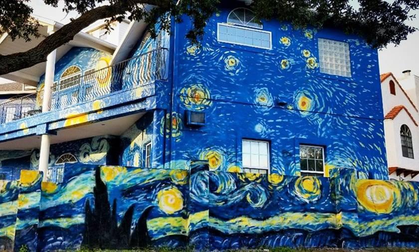 Resultado de imagem para Resultado de imagem para Pais pintam casa estilo Van Gogh para filho autista não se perder