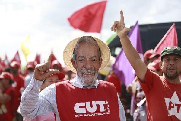 Manifestação pró-Lula (2)