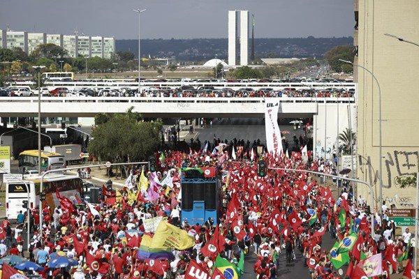 Manifestação pró-Lula novas (1)
