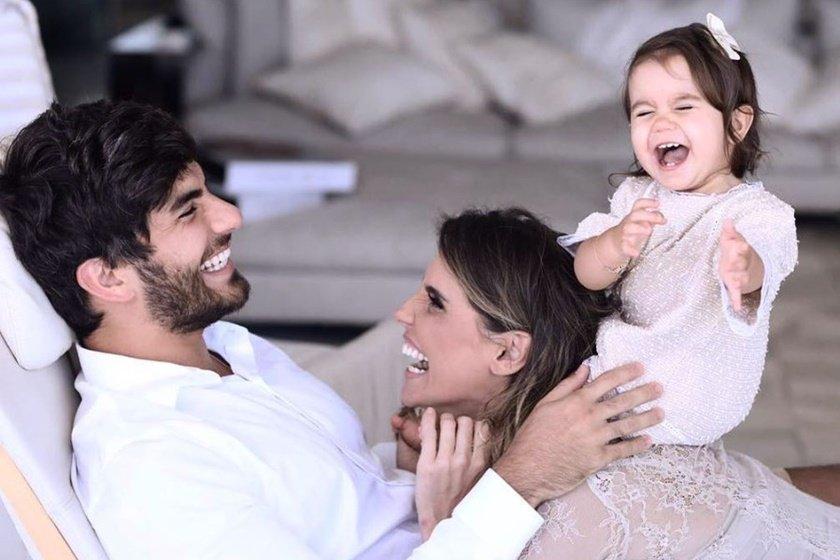 Marido De Deborah Secco Revela Crise Durante Gravidez Da Atriz