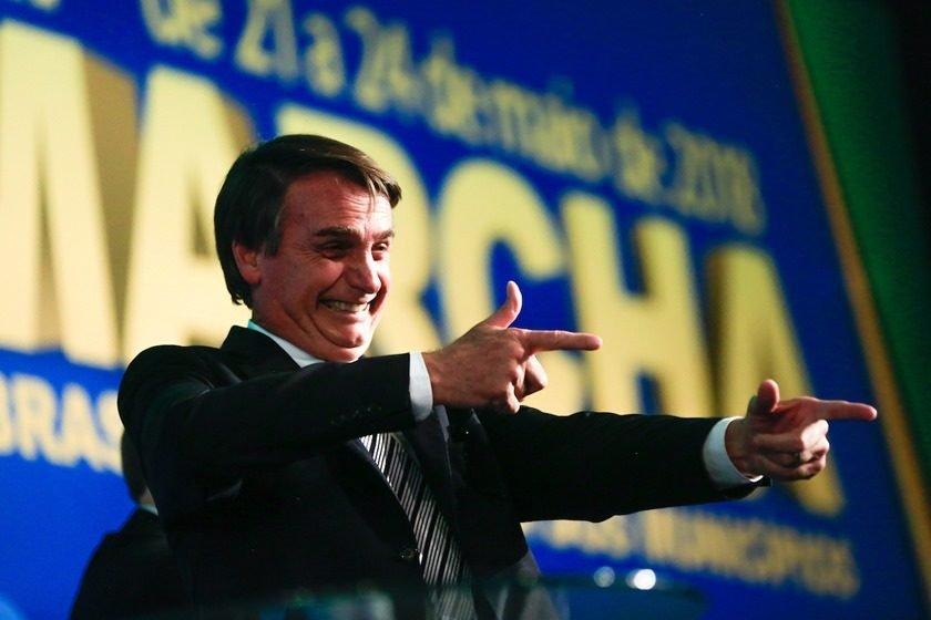 Resultado de imagem para Bolsonaro capeta