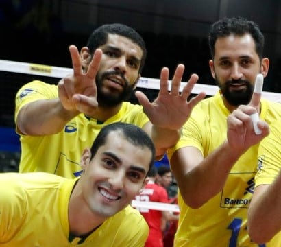 2e5e79096e Polêmica  atletas da seleção de vôlei fazem suposta alusão a Bolsonaro