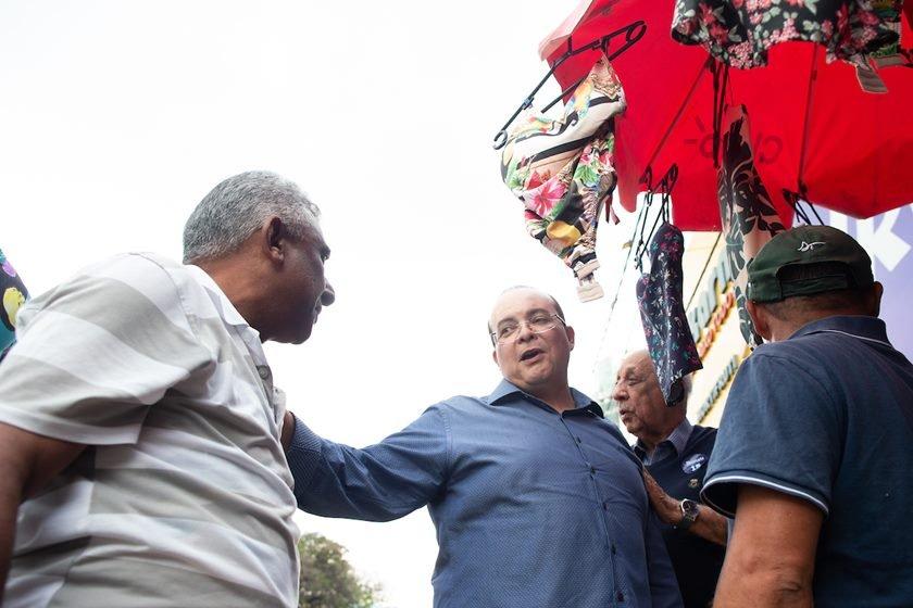 Ibaneis Rocha com moradores e lideranças em Taguatinga. Brasília(DF), 18/08/2018