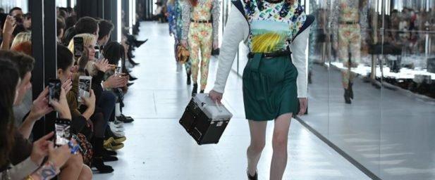 f1af37fd0b9 Louis Vuitton encerra a Semana de Moda de Paris com tom futurista