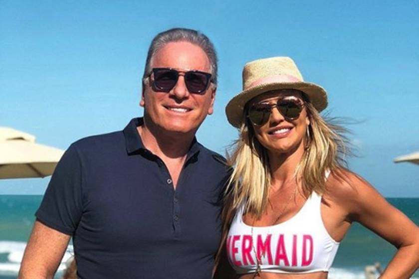 Roberto Justus Leva Esposa Para Praia Paradisíaca Em Alagoas