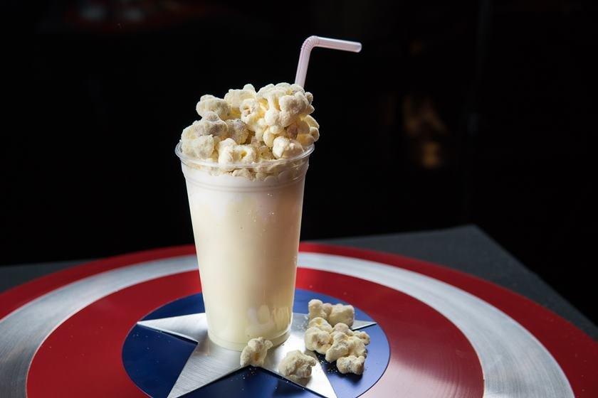 Milk-shake de pipoca doce de leite ninho_Dólar Furado Burger_Foto de Thiago Bueno (3)