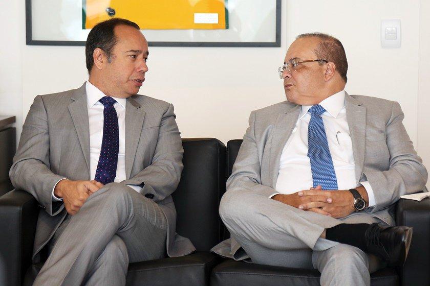 Leandro Cruz e Ibaneis Rocha