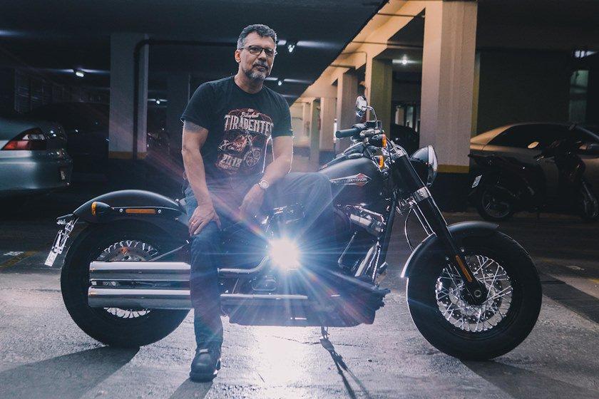 Brasília (DF), 23/10/2018  - Evento: Tião Borges, 54 anos de idade, que pilota motocicletas desde   aos 13 anos -  Local 206 Asa Norte  Foto: JP Rodrigues/Especial para Metrópoles