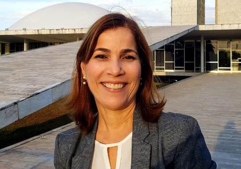 Mayra Pinheiro