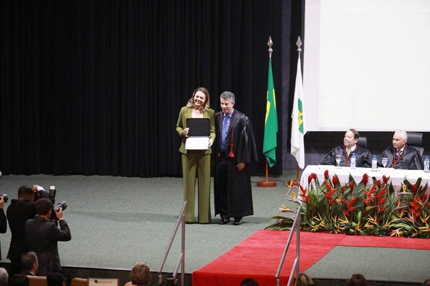 Leila Barros - Diplomação
