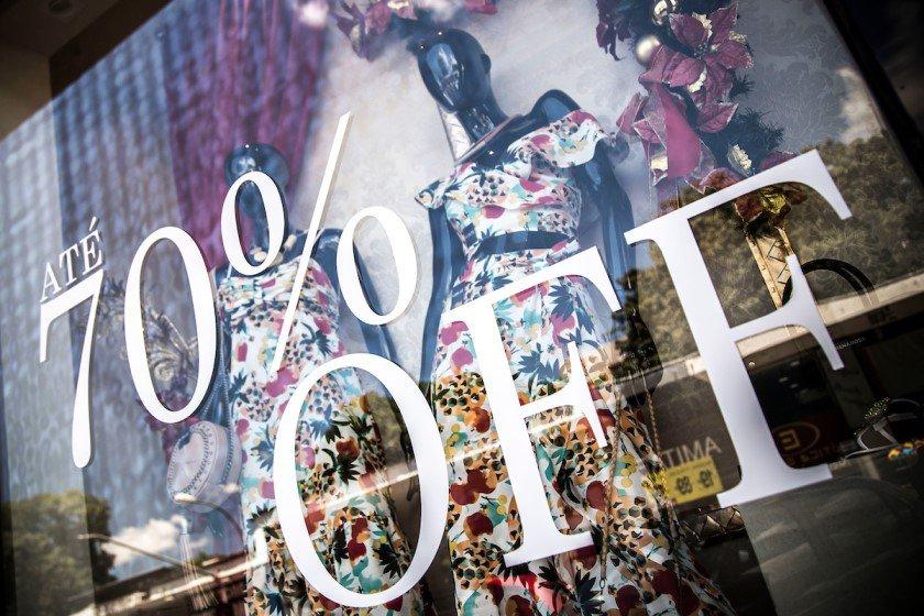 Mais de mil lojas no DF fazem liquidação com descontos de 20% a 80% bd11a1f793