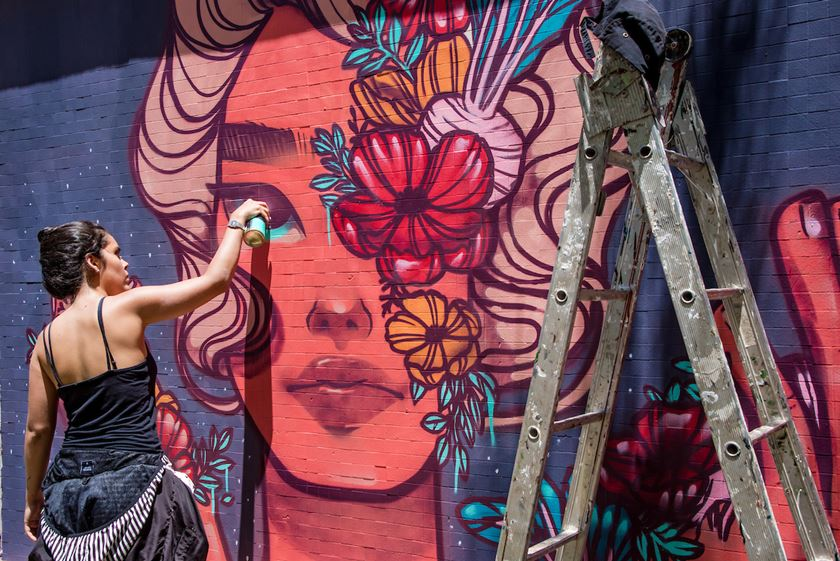 Brasília (DF), 23/01/2019 Siren grafite Local: SQS 113 Foto: Hugo Barreto/Metrópoles