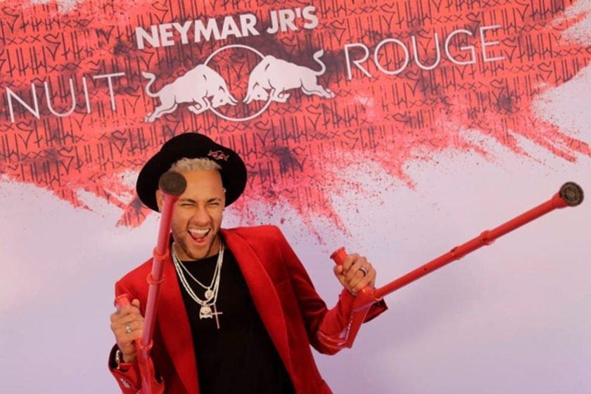 Neymar celebra 27 anos com festão de gala em Paris. Veja fotos 625185aa289
