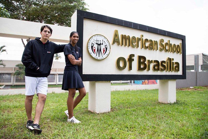 Alunos de colégio do DF aprovados em universidades americanas.