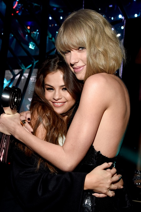 iHeartRadio Music Awards - Backstage