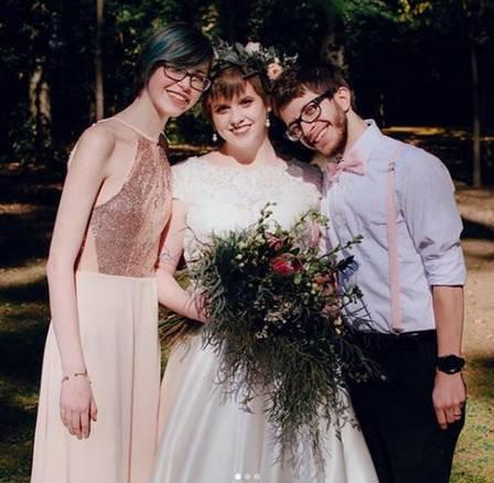 Resultado de imagem para madrinha e noivos